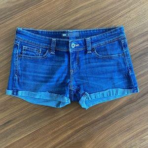 Levi's denim shorts 💙
